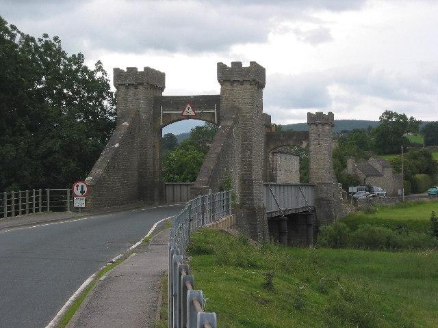 File:Middleham Bridge - geograph.org.uk - 28582.jpg