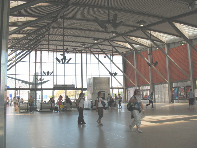 North Greenwich Station - concourse - geograph.org.uk - 516361