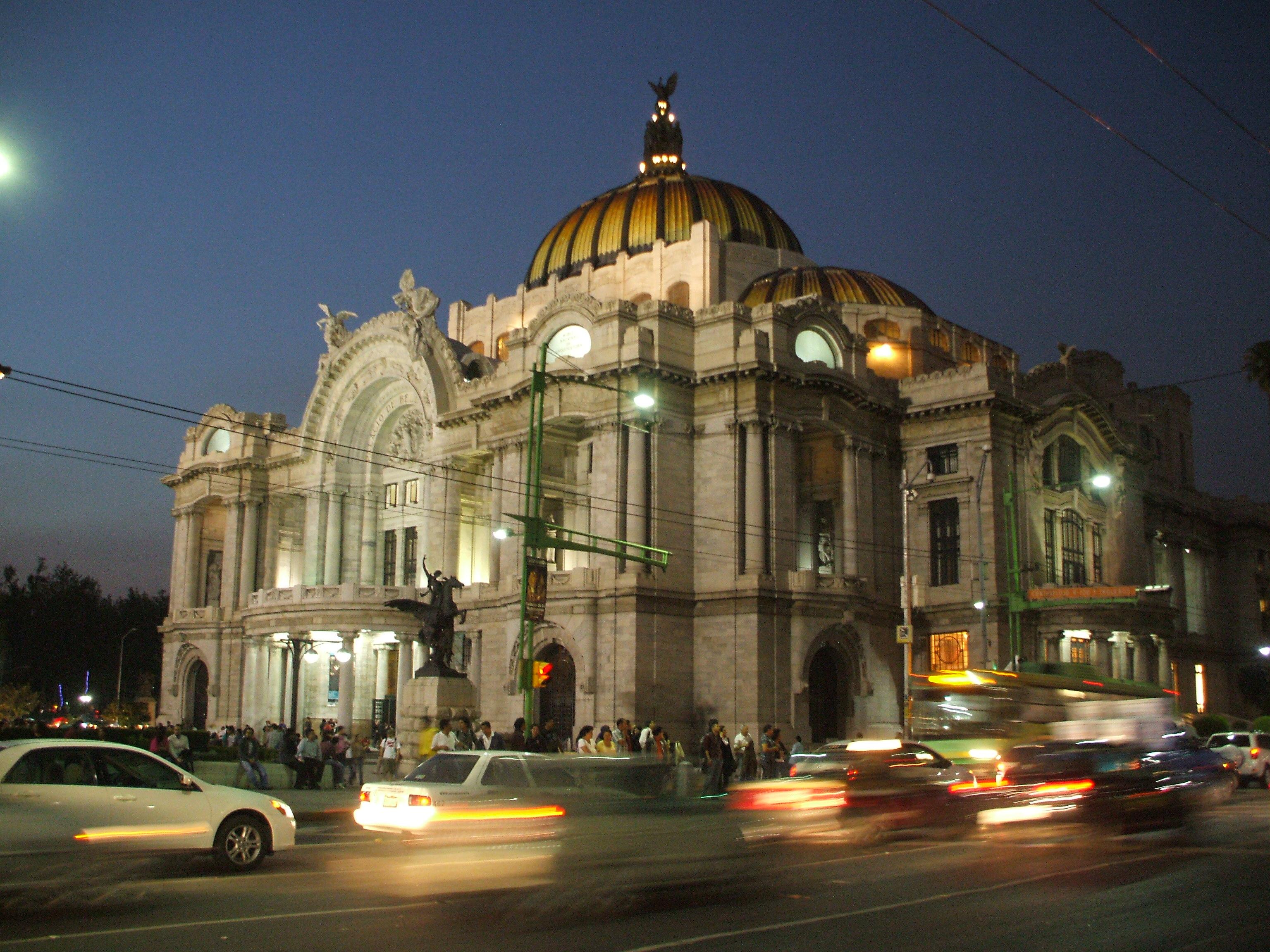 File palacio de las bellas artes noche jpg wikimedia commons for Arquitectura 7 bellas artes