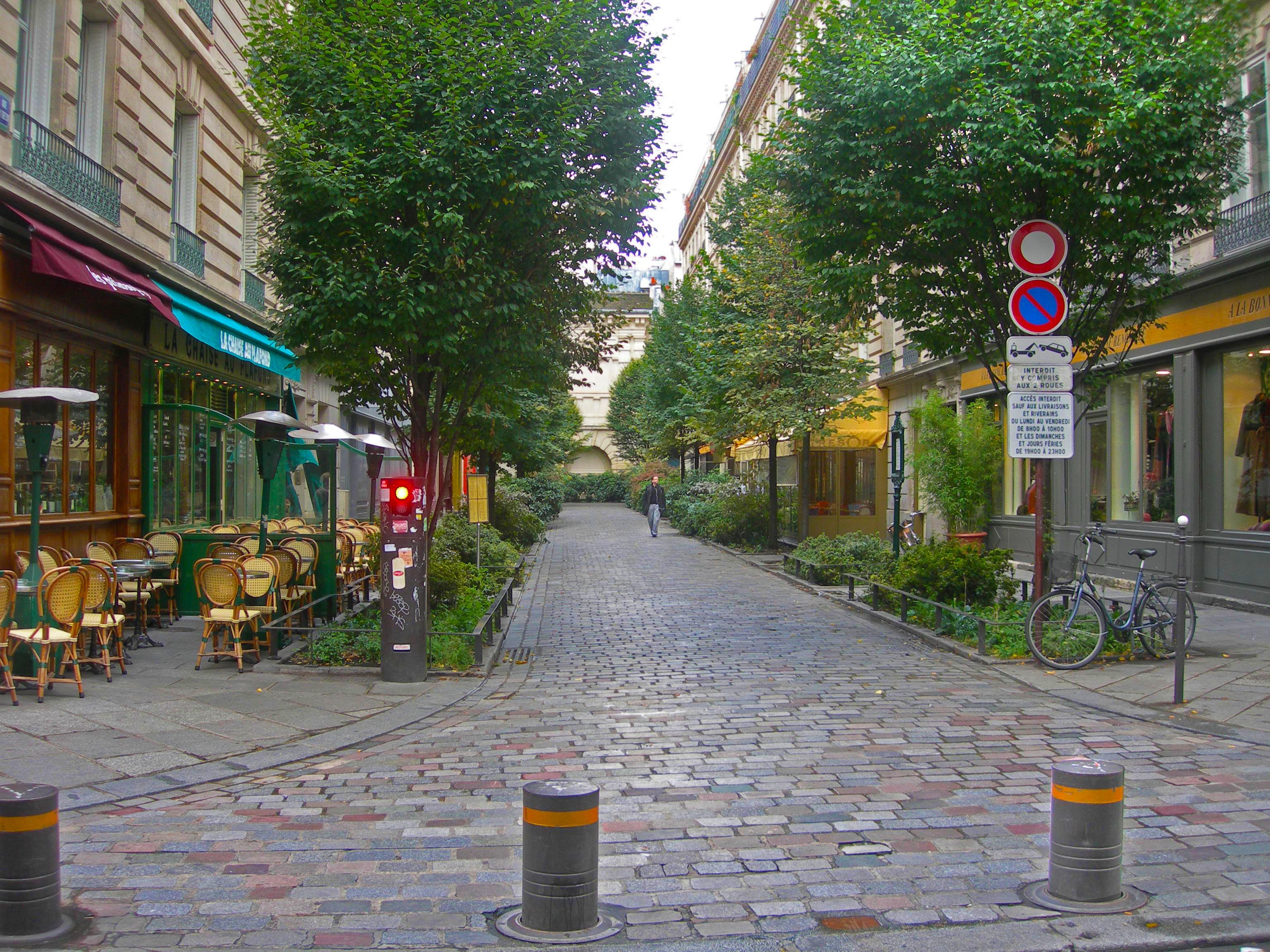 File parispedestrianstreetcul de wikimedia commons - Little green paris ...
