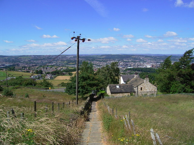 Path to Castle Hill - geograph.org.uk - 898196
