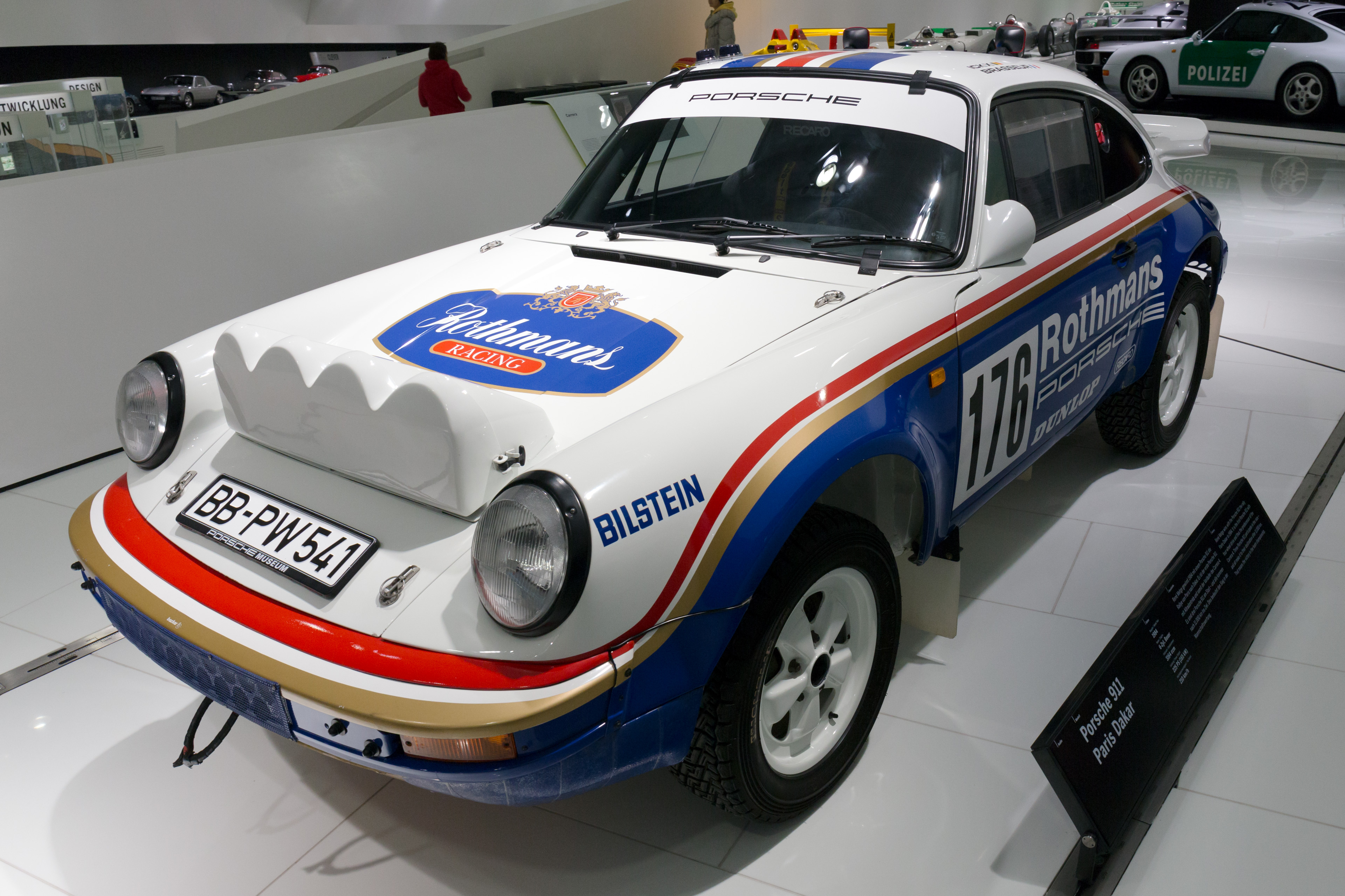File:Porsche 953 front-left Porsche Museum.jpg