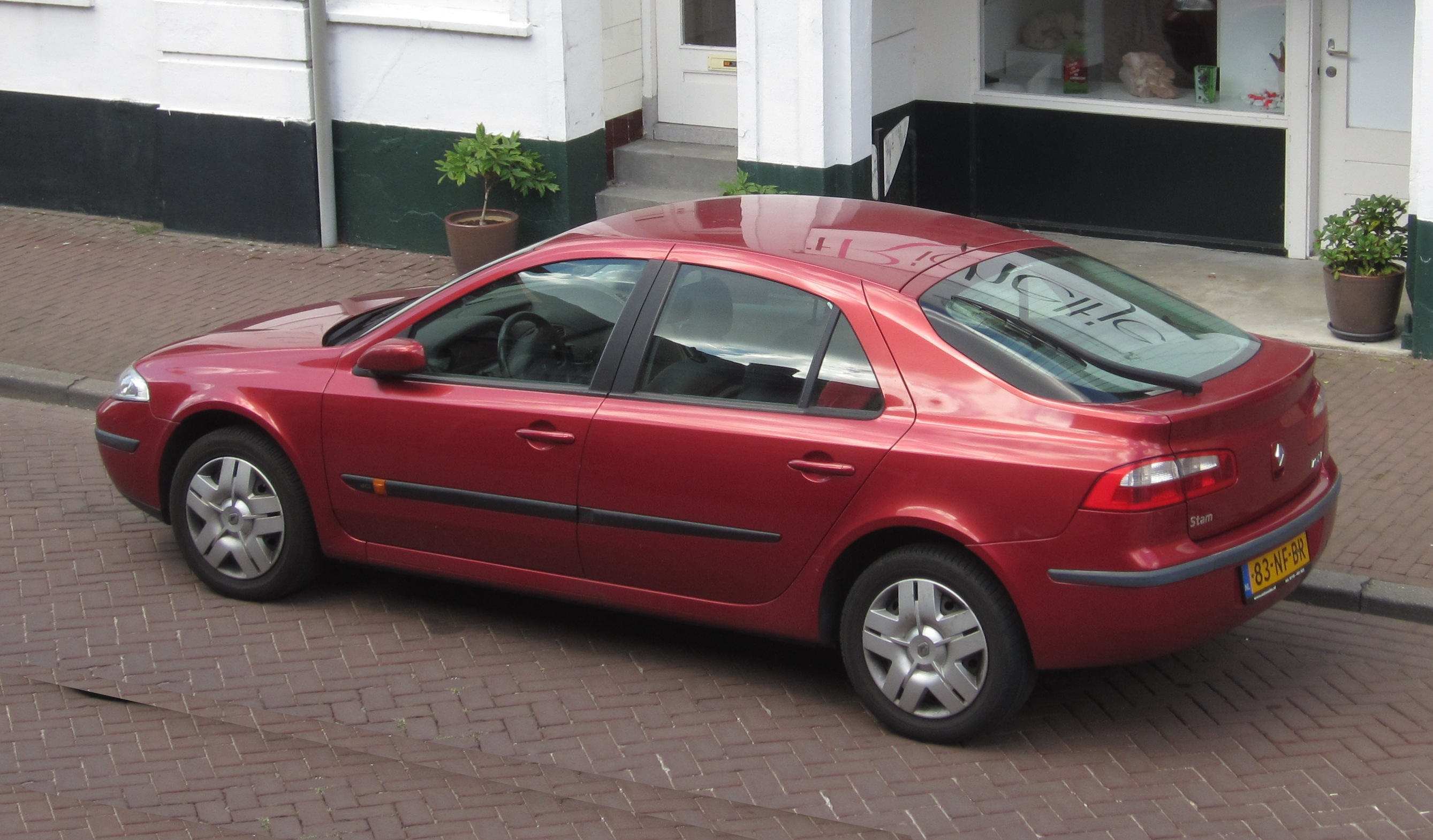 file renault laguna ii rear three quarters in aardenburg jpg wikimedia commons. Black Bedroom Furniture Sets. Home Design Ideas