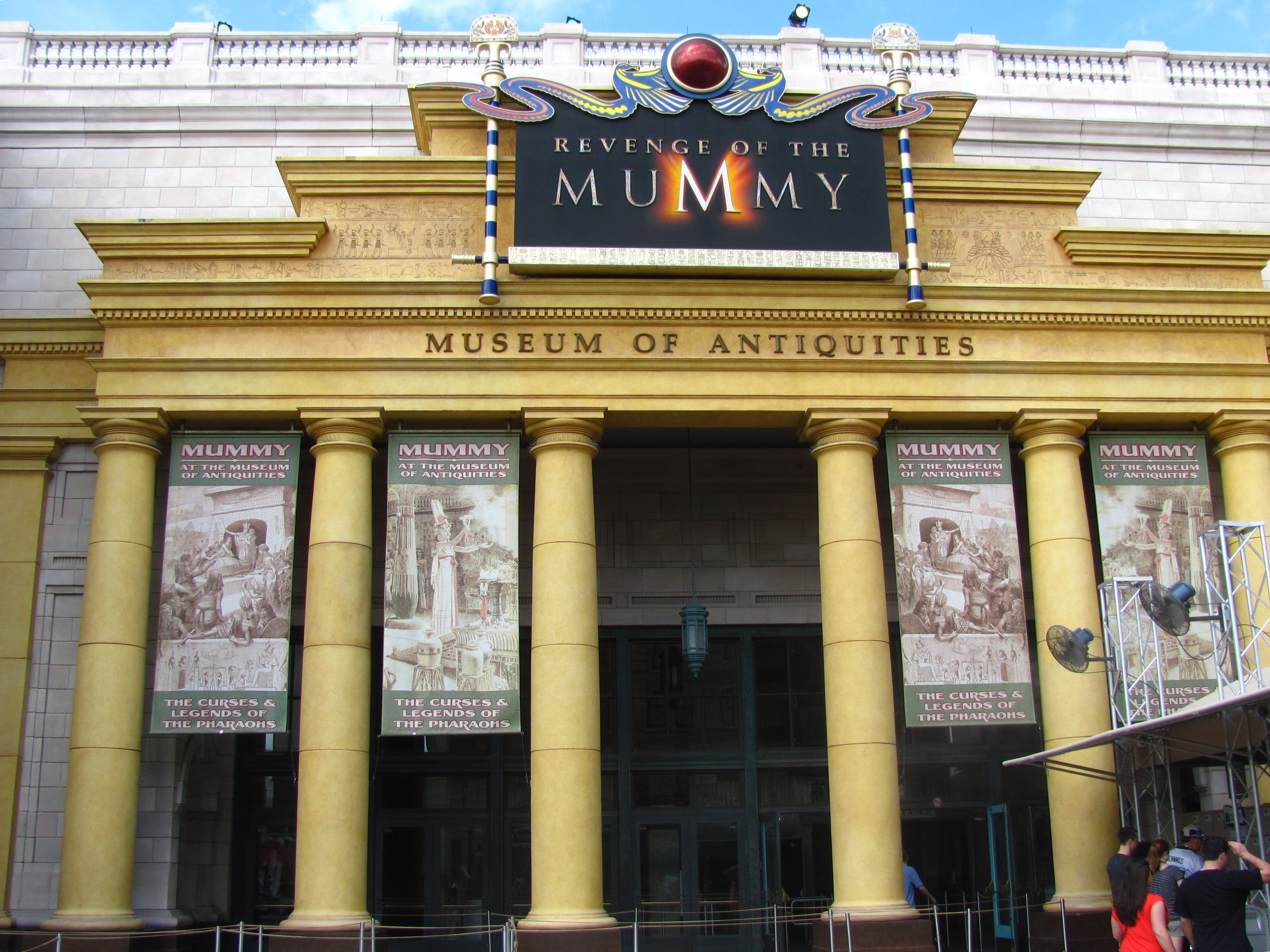 File:Revenge of the Mummy (Universal Studios Florida) facade.jpg ...
