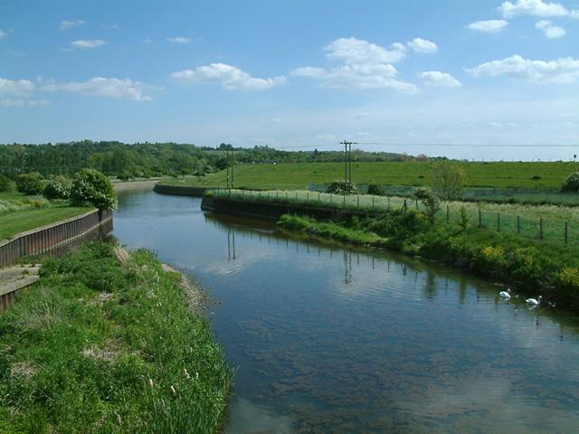 File:River Lee Flood Relief Channel.jpg - Wikipedia