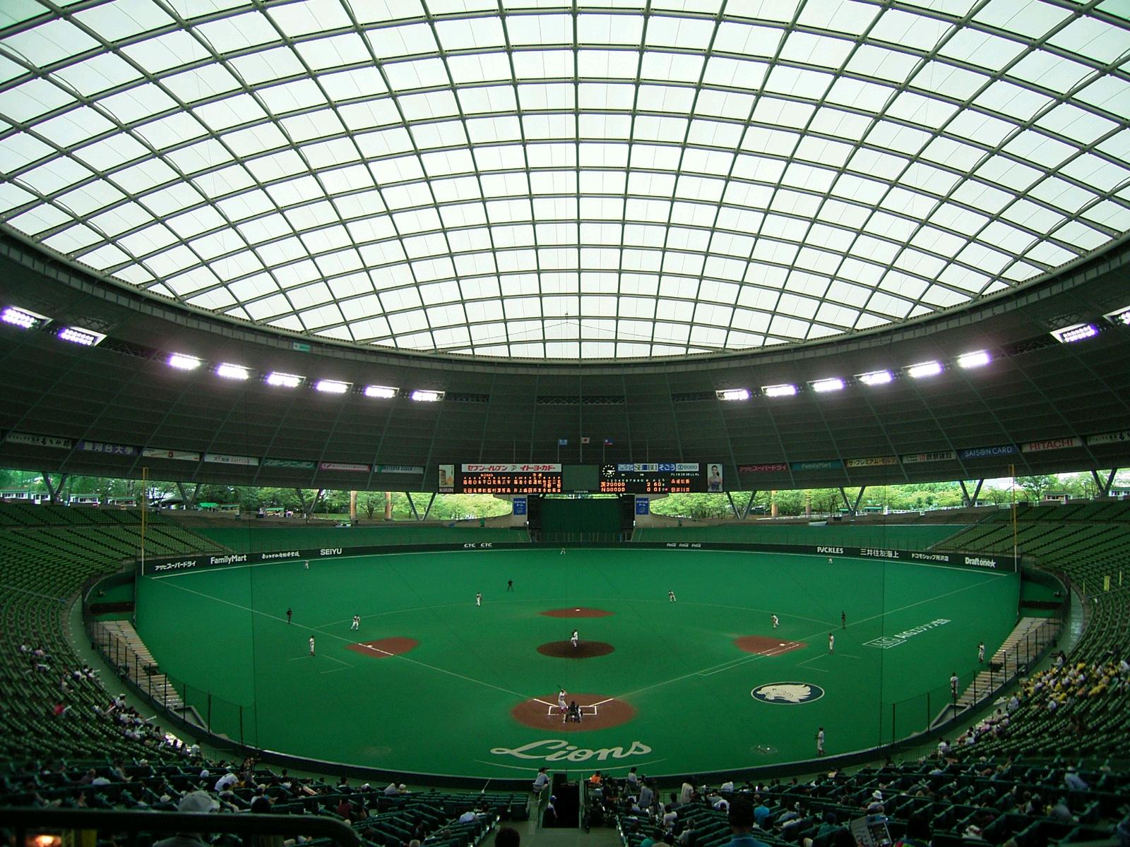 高校野球の観戦について質問です。高校野球はプロ …