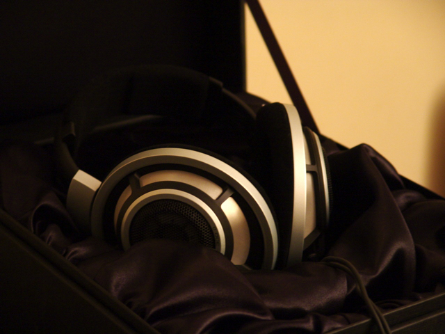 File:Sennheiser HD800 (2010-03-07 19.29.01 by Chun Yip So).jpg