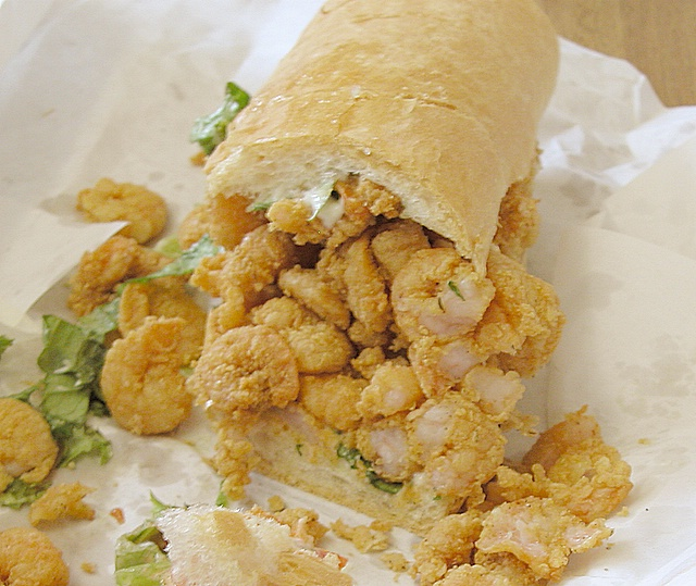 Shrimp po' boy sandwich | Cajun dishes to try in Louisiana