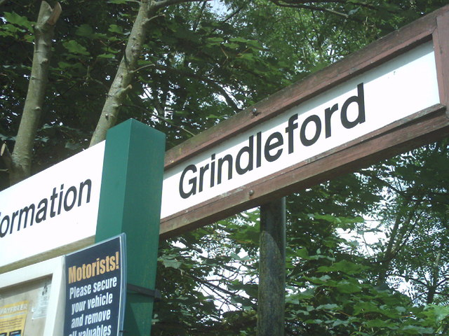 Sign at Grindleford station - geograph.org.uk - 1088890