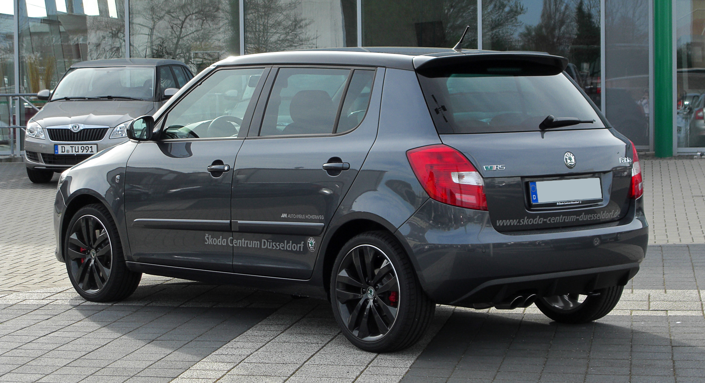 file skoda fabia 1 4 tsi dsg rs ii facelift heckansicht 1 2 april 2011 d. Black Bedroom Furniture Sets. Home Design Ideas