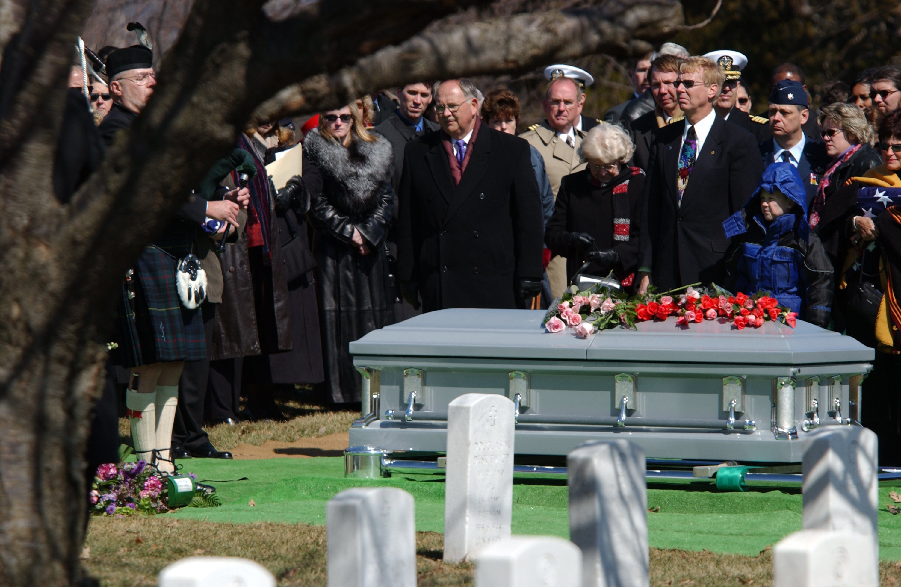 Http Commons Wikimedia Org Wiki File Space Shuttle Columbia Funeral G Jpg