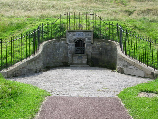 St. Margaret's Well - geograph.org.uk - 911510