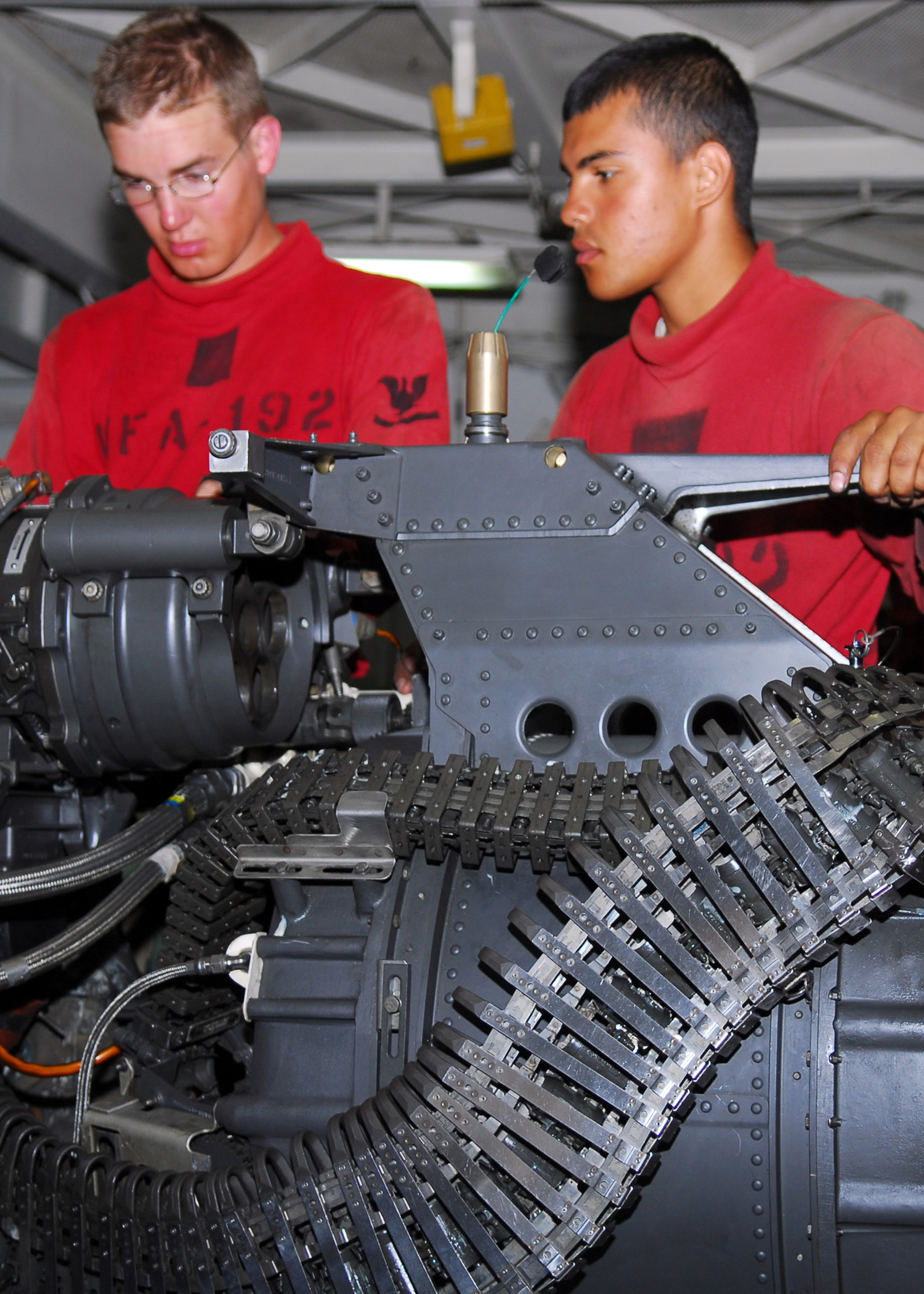 auto mechanic research paper Research paper automotive mechanic auto mechanic – research paper auto mechanic pic 1 today i will be looking more into the career of an auto mechanic.