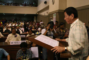 Then-newly-elected Davao City Vice Mayor Duterte reading his inaugural speech in June 2010 VICE MAYOR RODRIGO R. DUTERTE Inauguration Speech 2010.jpg