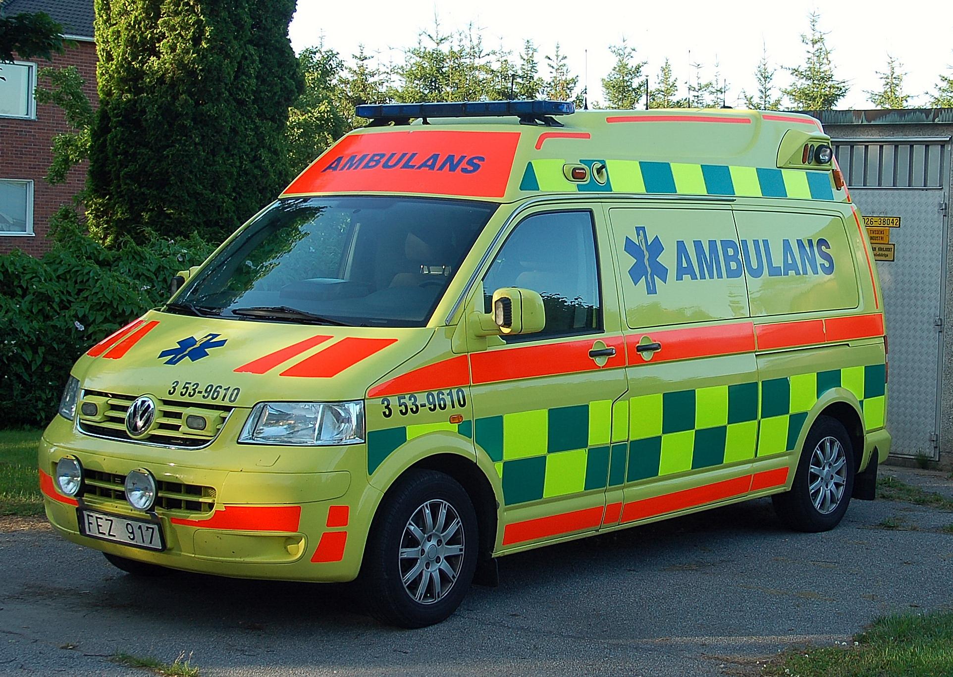 File:VW KOMBI Ambulans.JPG - Wikimedia Commons