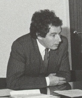 File:William Waldegrave visiting University of Salford 1981 cropped.jpg