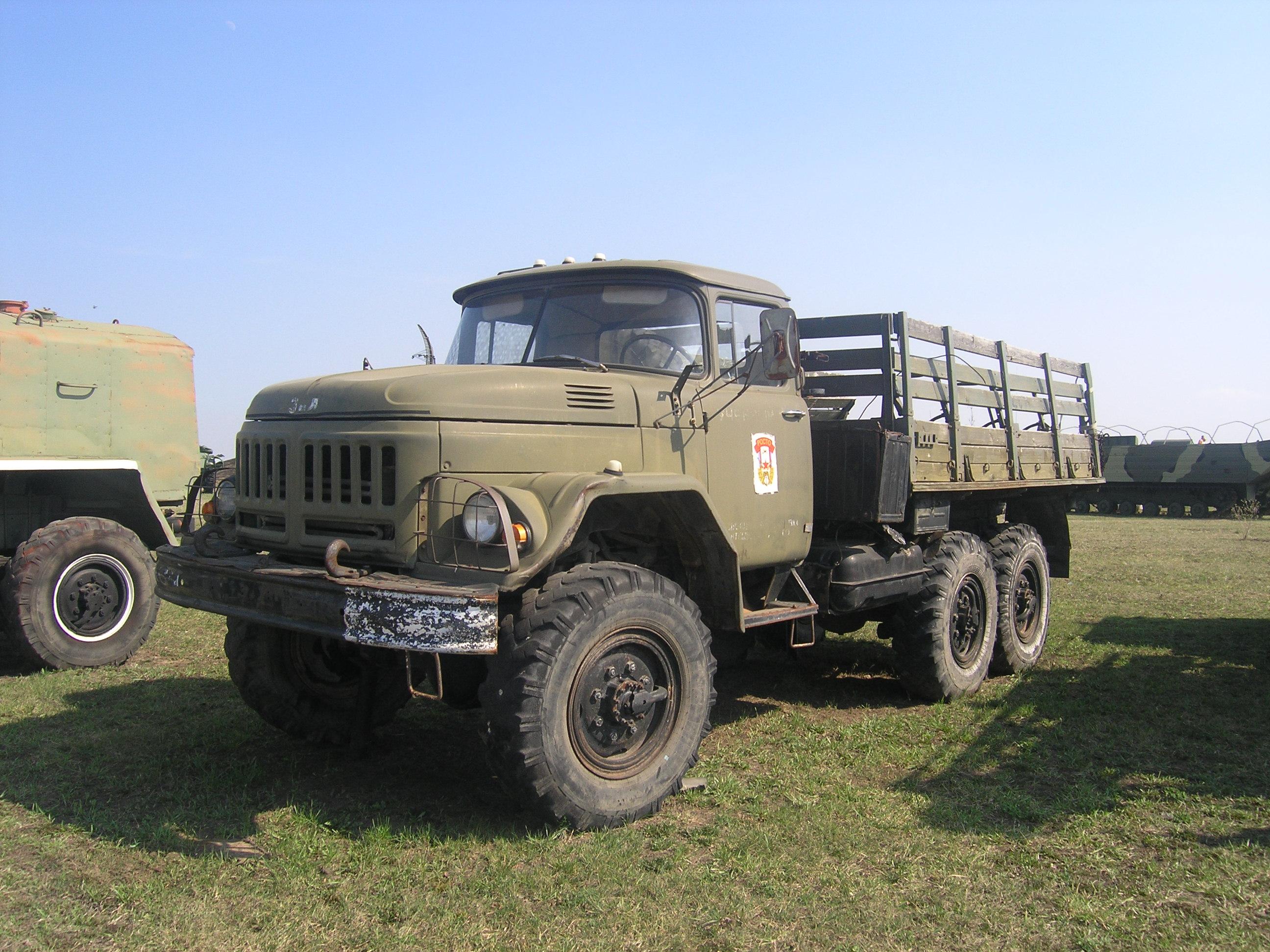 ZiL-131,_technical_museum,_Togliatti-4.J