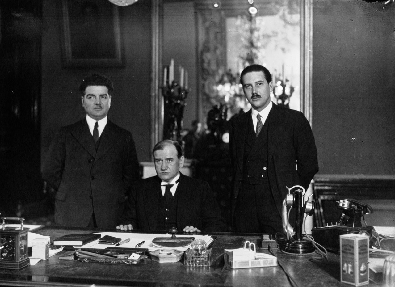 File:Édouard-Daladier-bureau-1933.JPG