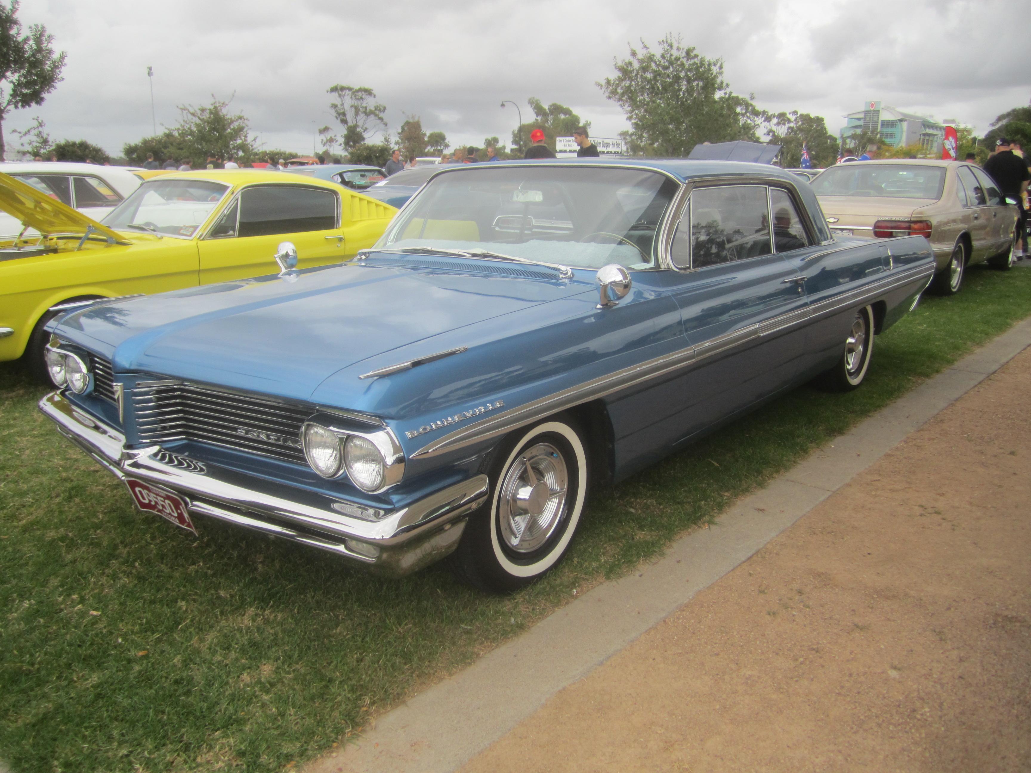 File 1962 Pontiac Bonneville Coupe Jpg Wikimedia Commons