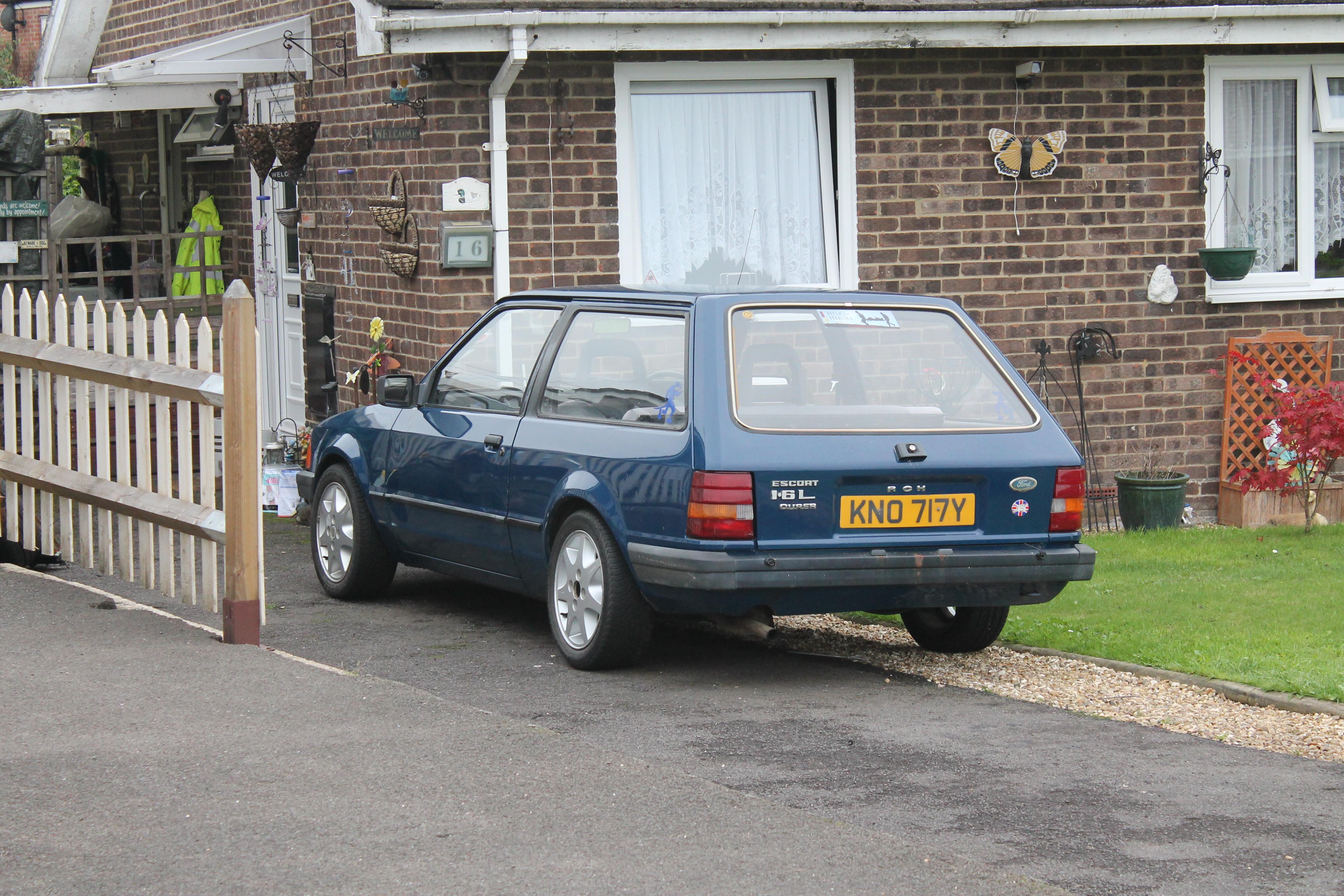 File:1983 Ford Escort Tourer 1.6 L Auto 3 door estate (9877729583 ...