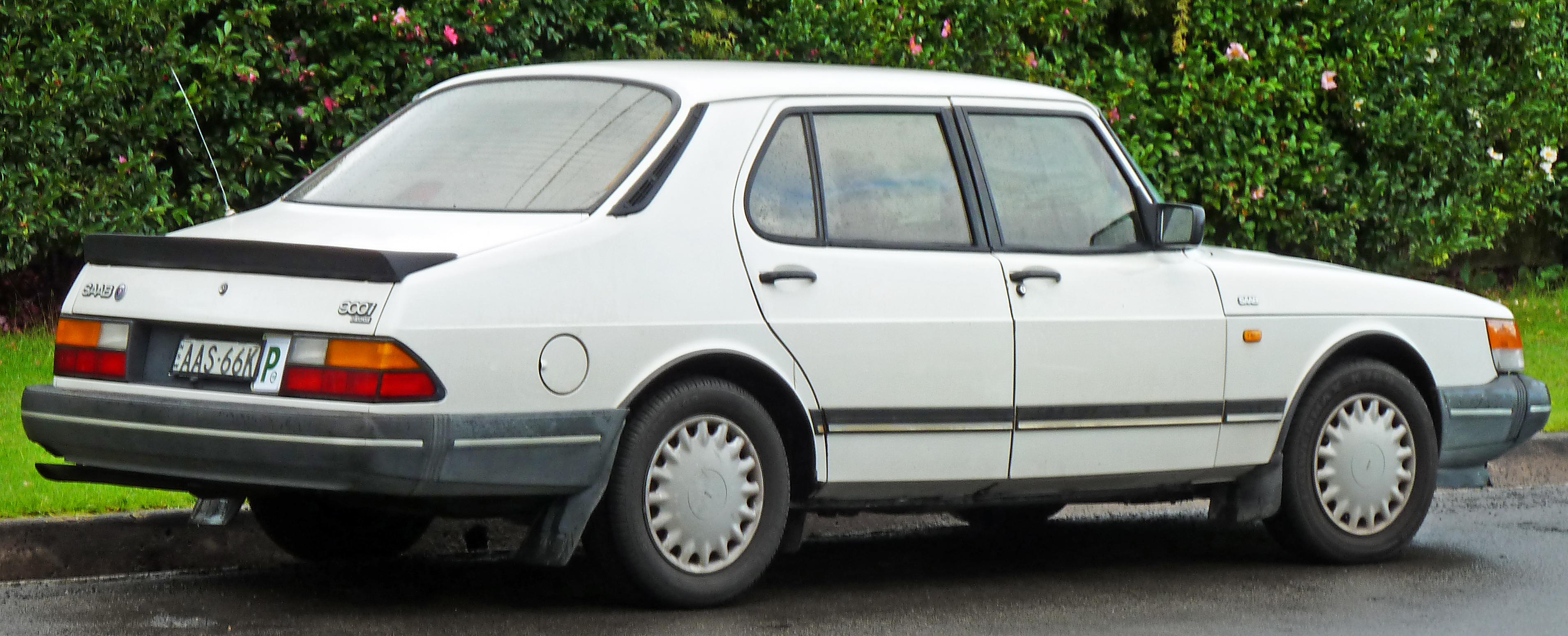 File 1987 1993 Saab 900i Sedan 2011 04 28 Jpg