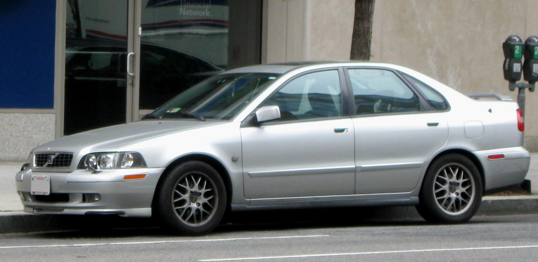 2003 Volvo S40 Picture