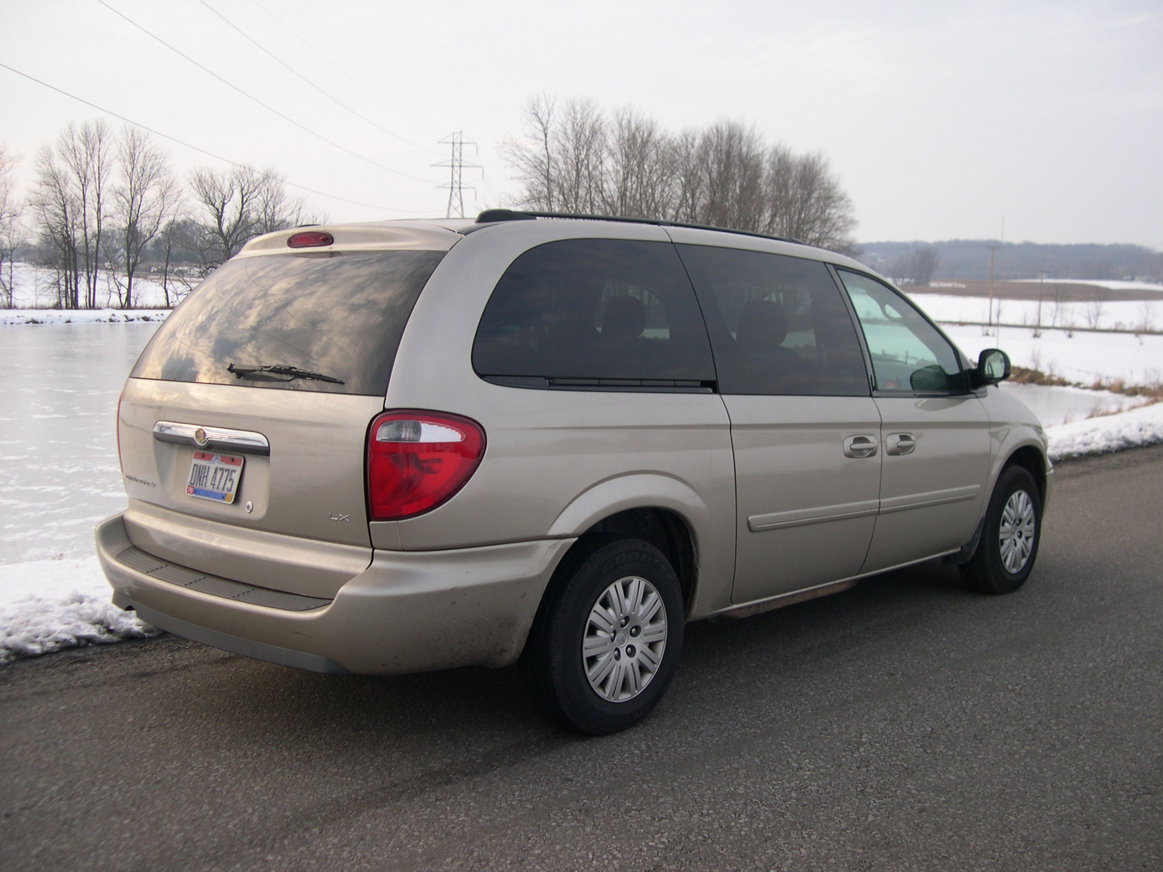 file 2005 chrysler town and country lx rear jpg. Cars Review. Best American Auto & Cars Review
