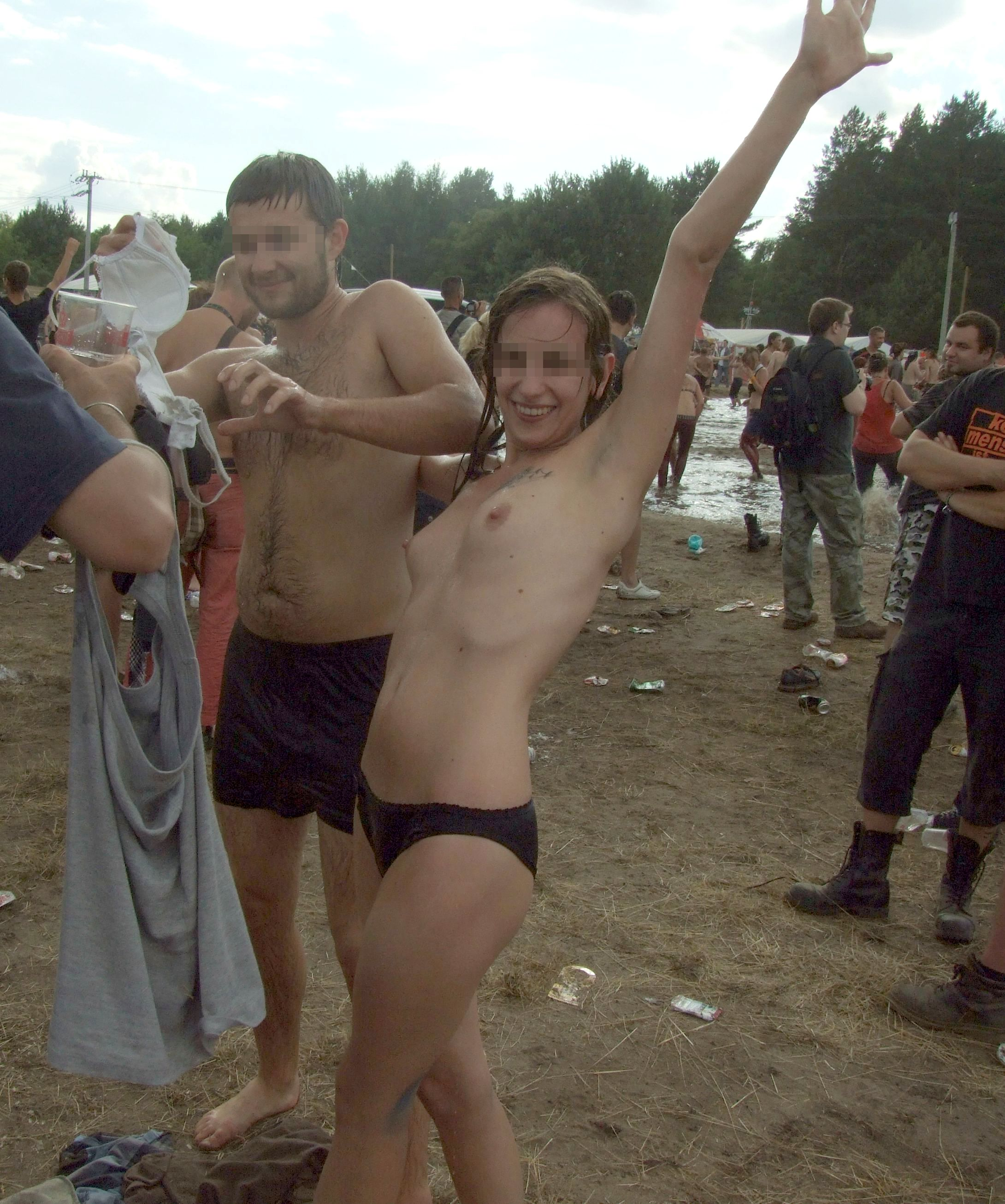 women nude at woodstock