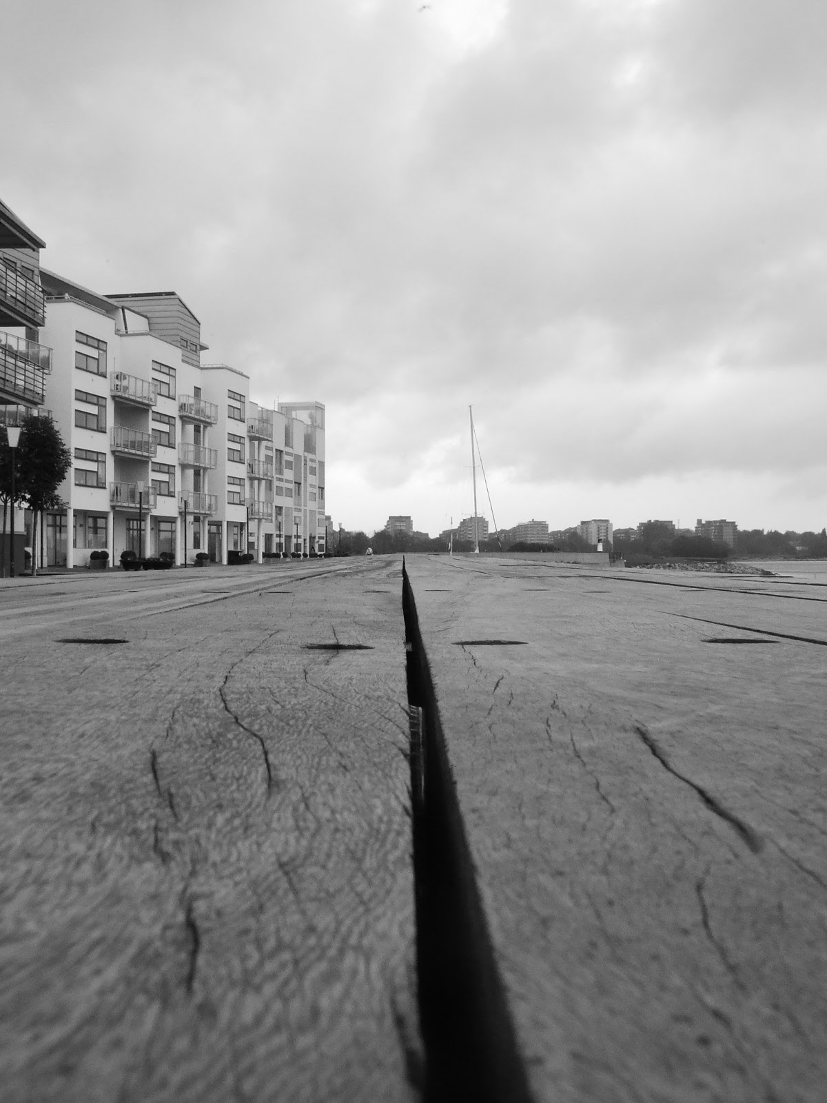 black and white västra hamnen