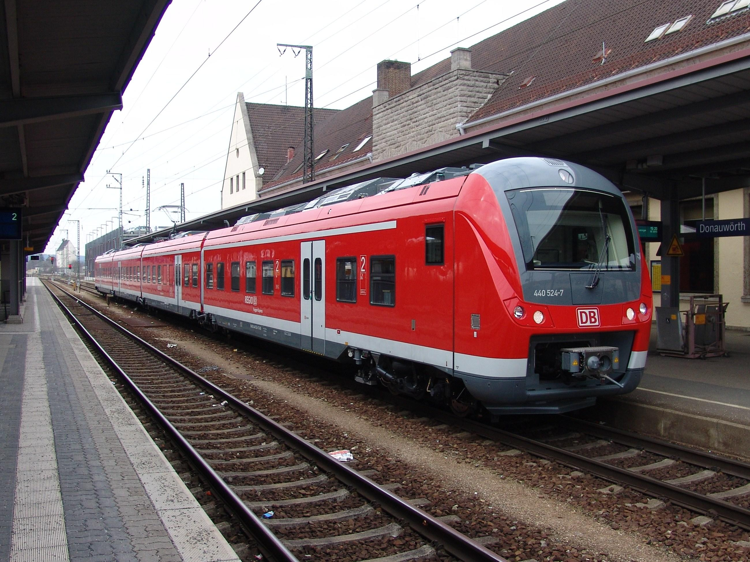 440 024 im Bahnhof Donauwörth