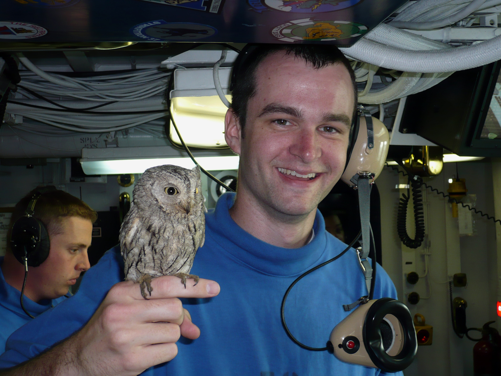 File:ABH3 Dieringer holds a screech owl named Fod.jpg - Wikimedia ...