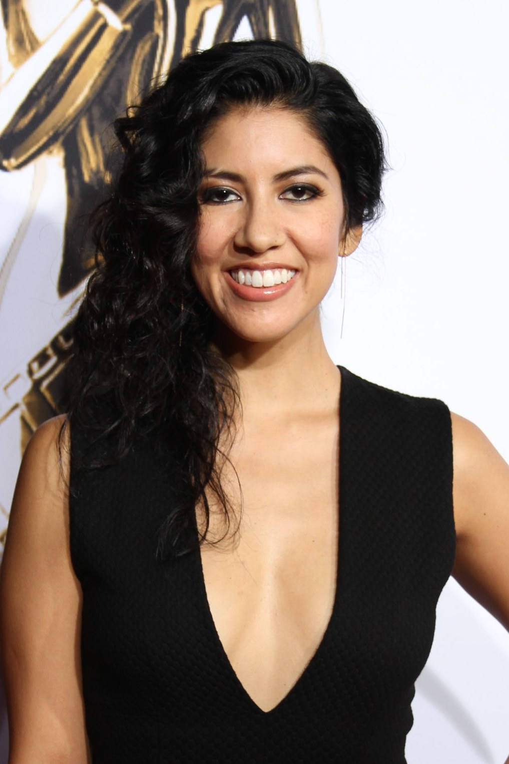 Stephanie Beatriz - Wikipedia