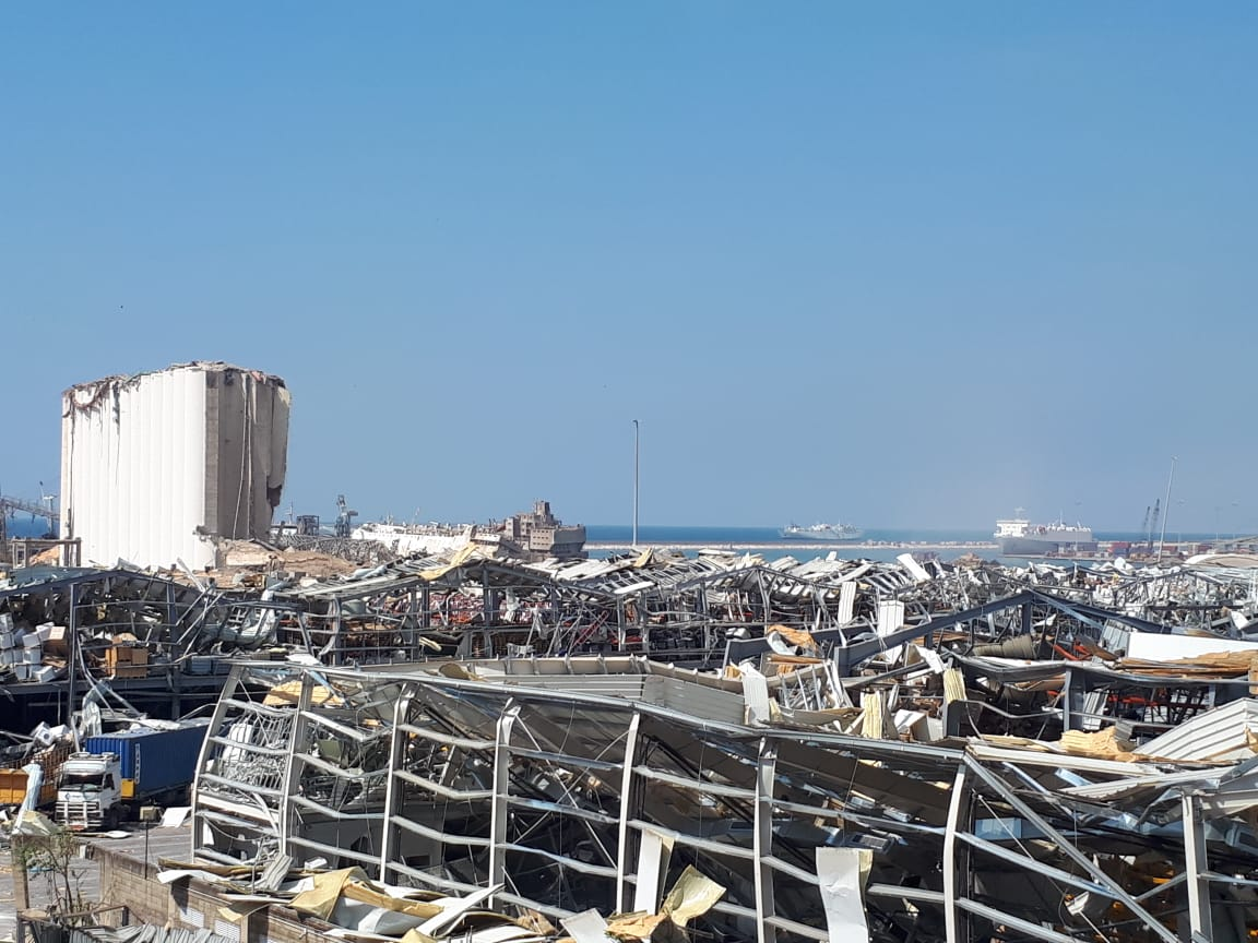 Aftermath of the 2020 Beirut explosions august 6 2020 02.jpg