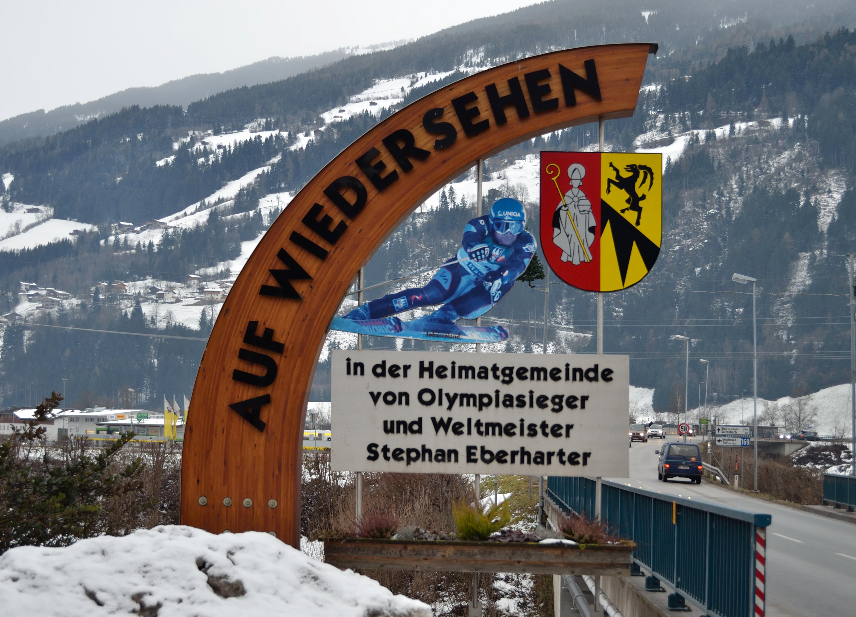 File:Auf Wiedersehen in Stumm.jpg - Wikimedia Commons