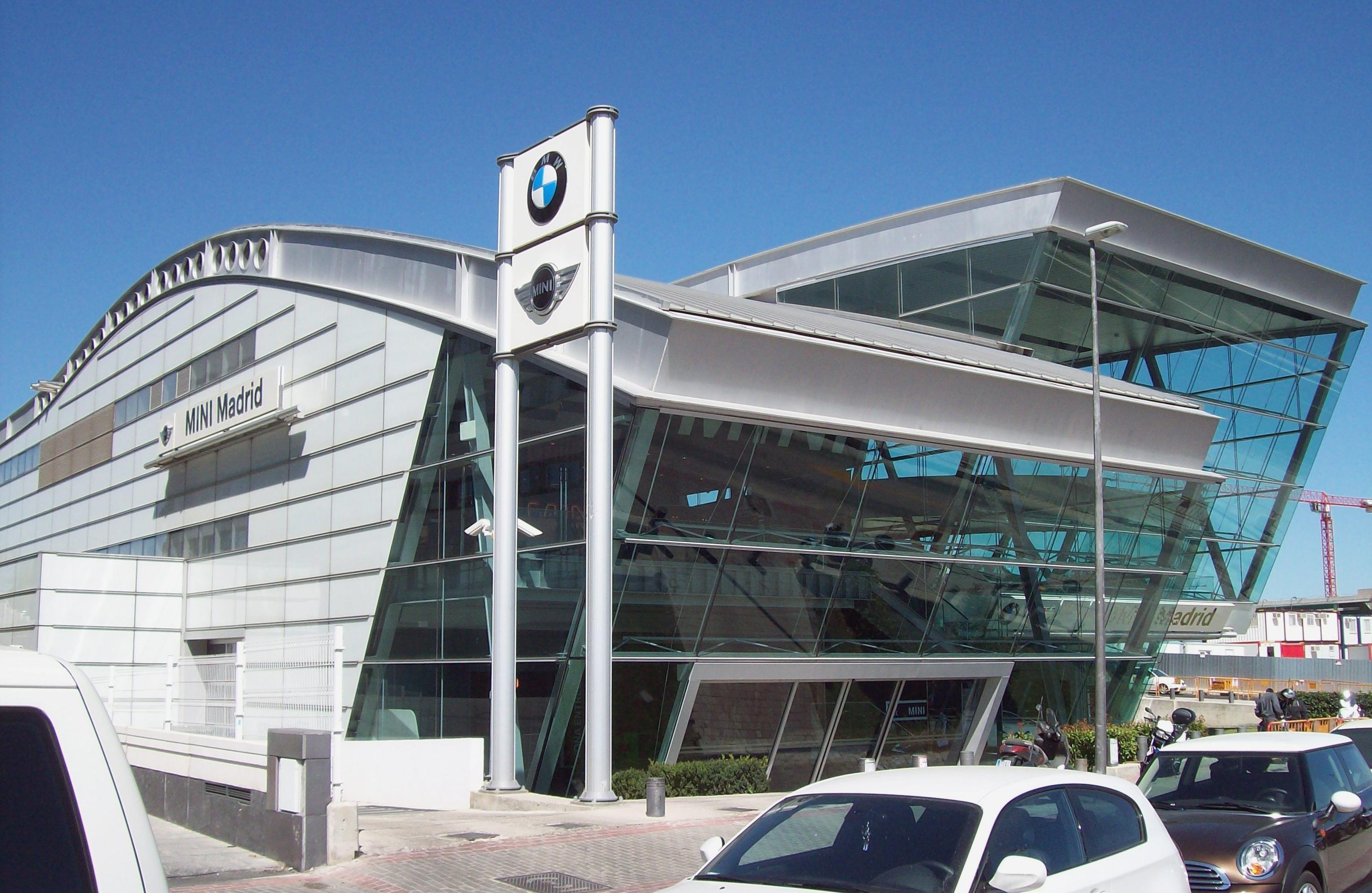 File:BMW Las Tablas (Madrid) 06.jpg - Wikimedia Commons