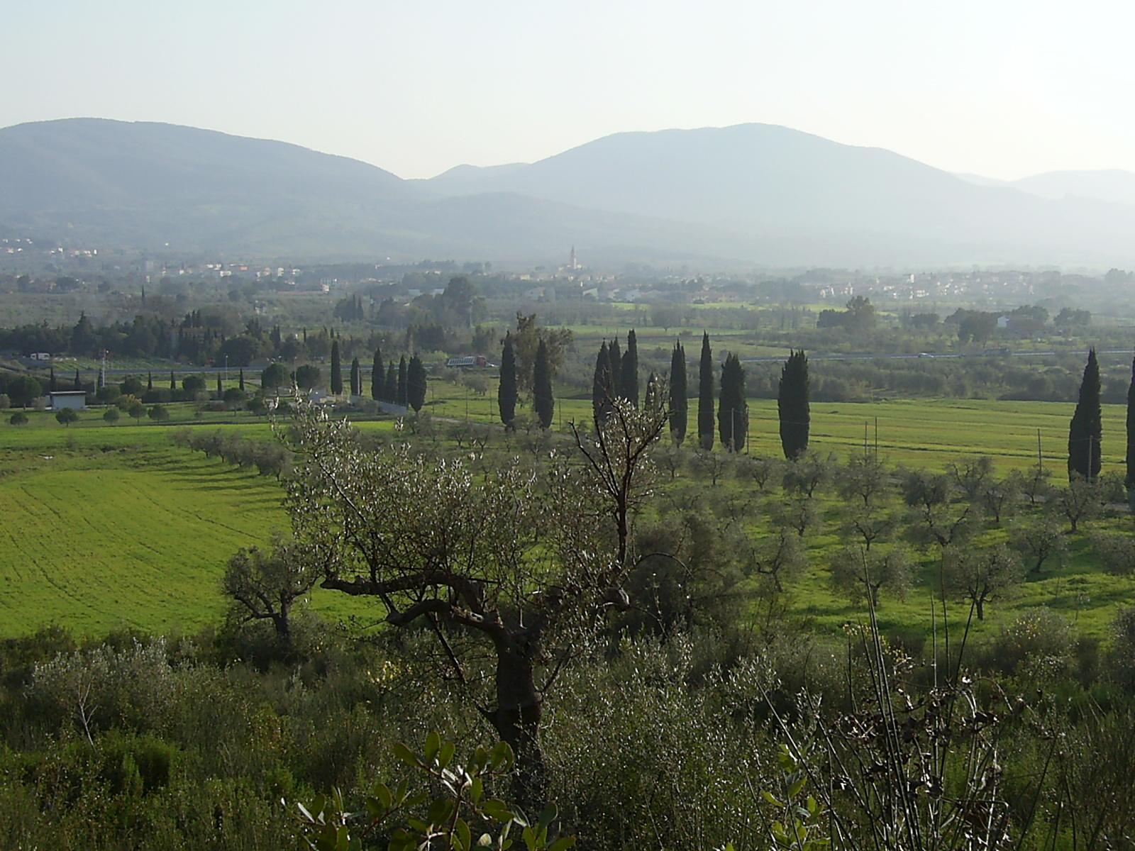 File:Bagno di Gavorrano dalle colline - panoramio.jpg - Wikimedia ...