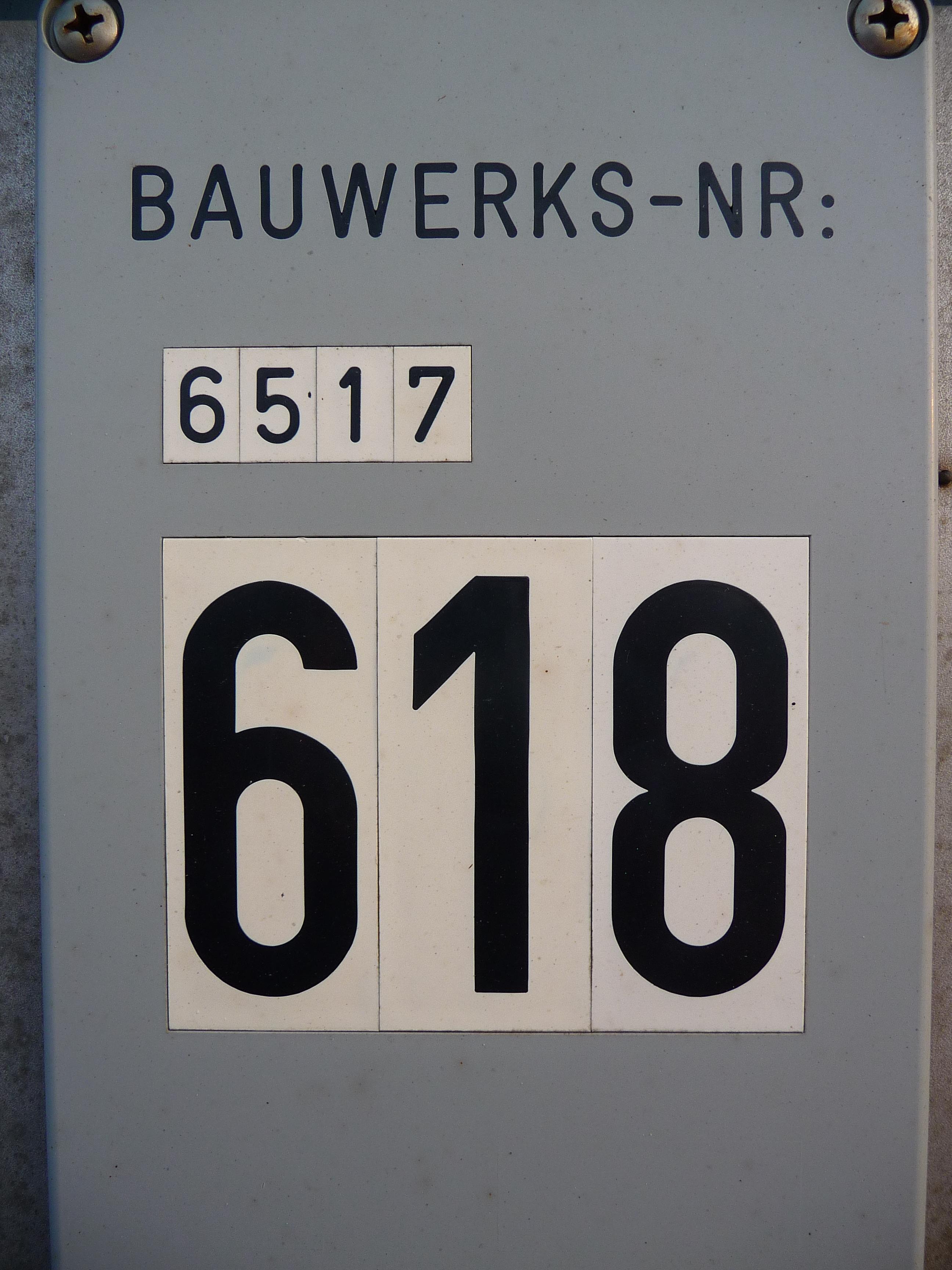 File:Bauwerksnummer 6517 618.JPG