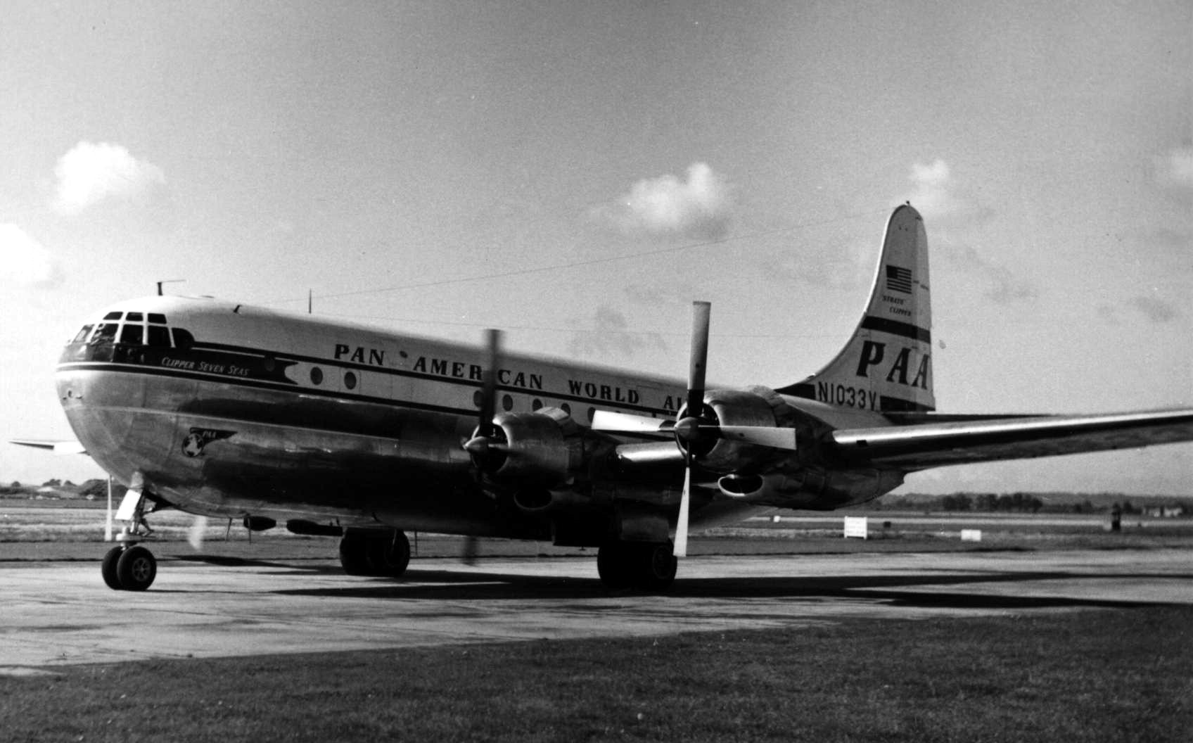 "Pan American World Airways Boeing 377 Stratocruiser N1033V ""Clipper Seven Seas"" arriving at London (Heathrow)"