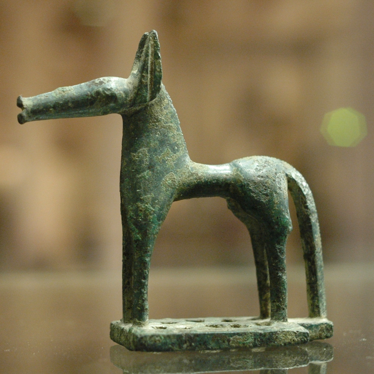 http://upload.wikimedia.org/wikipedia/commons/8/8a/Bronze_horse_Louvre_Br90.jpg