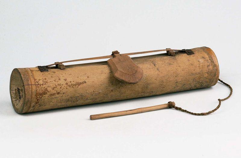 COLLECTIE TROPENMUSEUM Buisciter met één snaar TMnr 1330-130.jpg