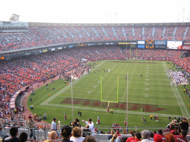 http://upload.wikimedia.org/wikipedia/commons/8/8a/Candlestick_Park_2006-08-11.jpg