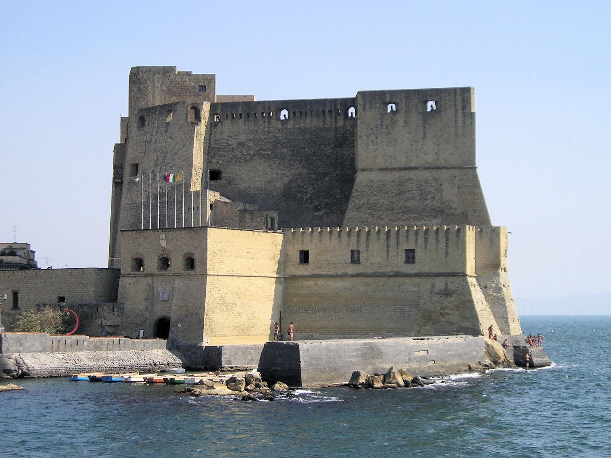 Castel dell'Ovo - Wikipedia, la enciclopedia libre