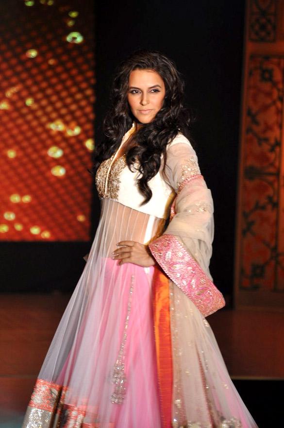 File:Celebrities at Manish Malhotra - Lilavati Save & Empower Girl ...