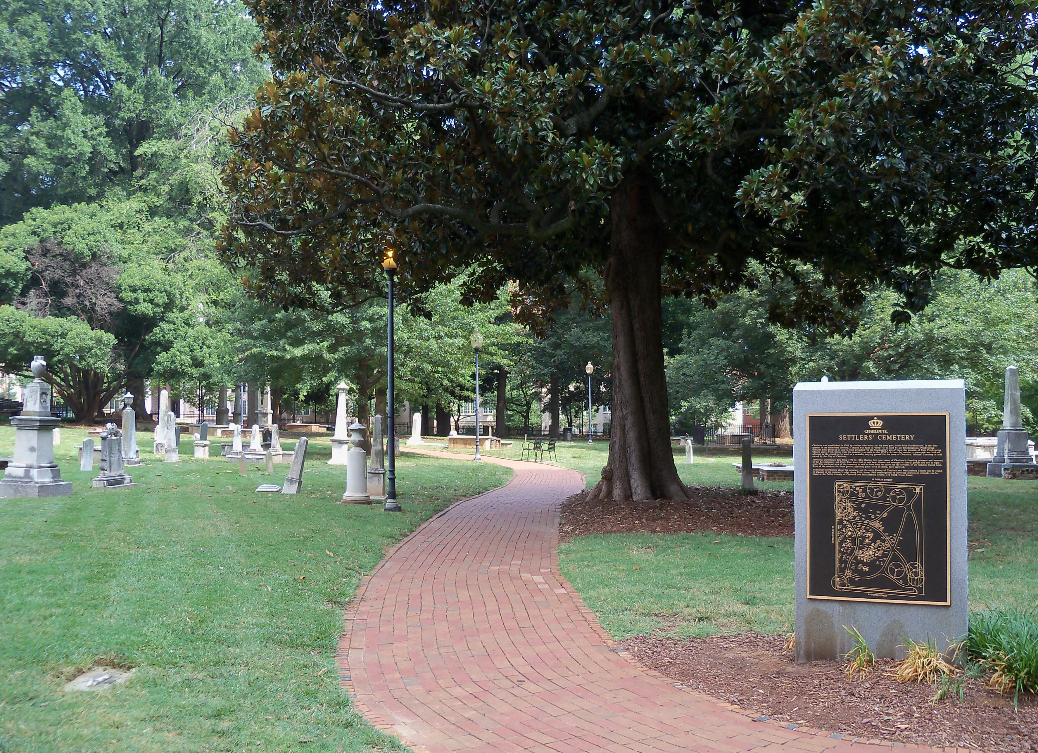 Charlotte Settlers' Cemetery.jpg