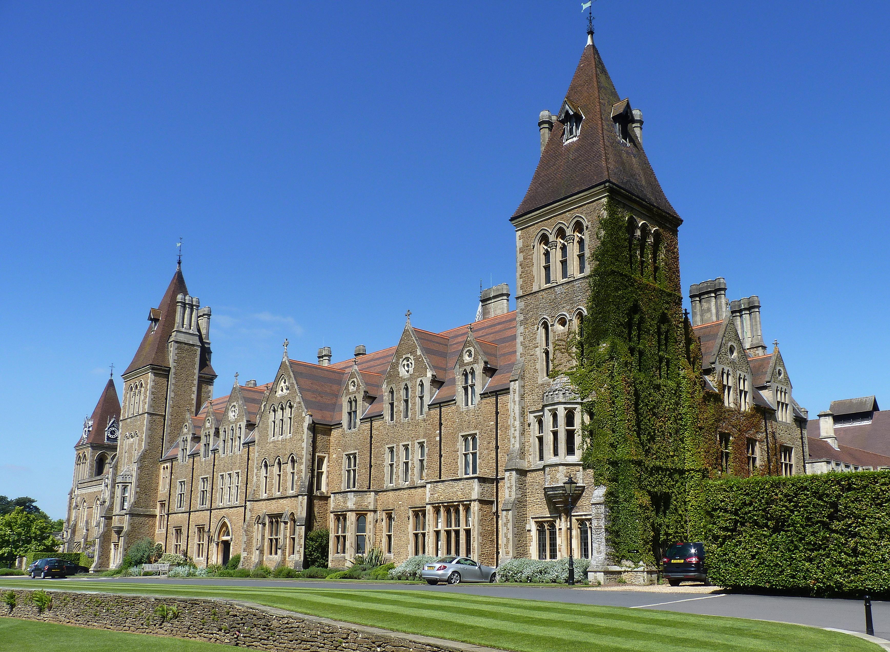 [[Charterhouse School