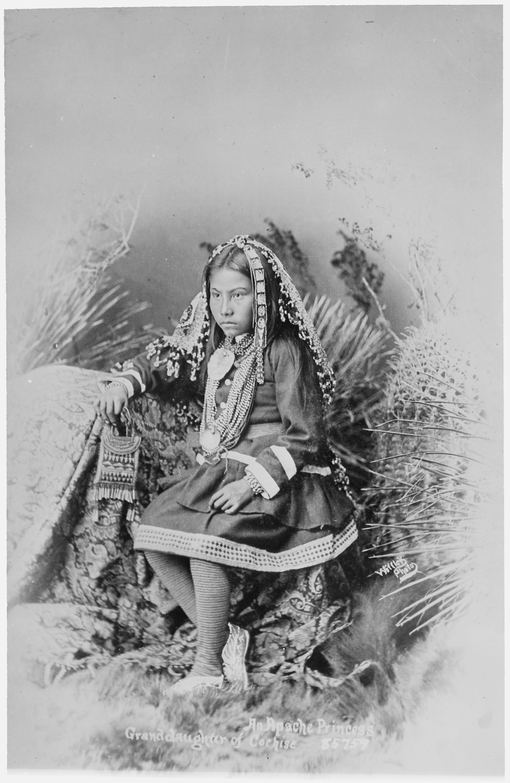 File:Chiricahua Apache girl, granddaughter of Cochise ...