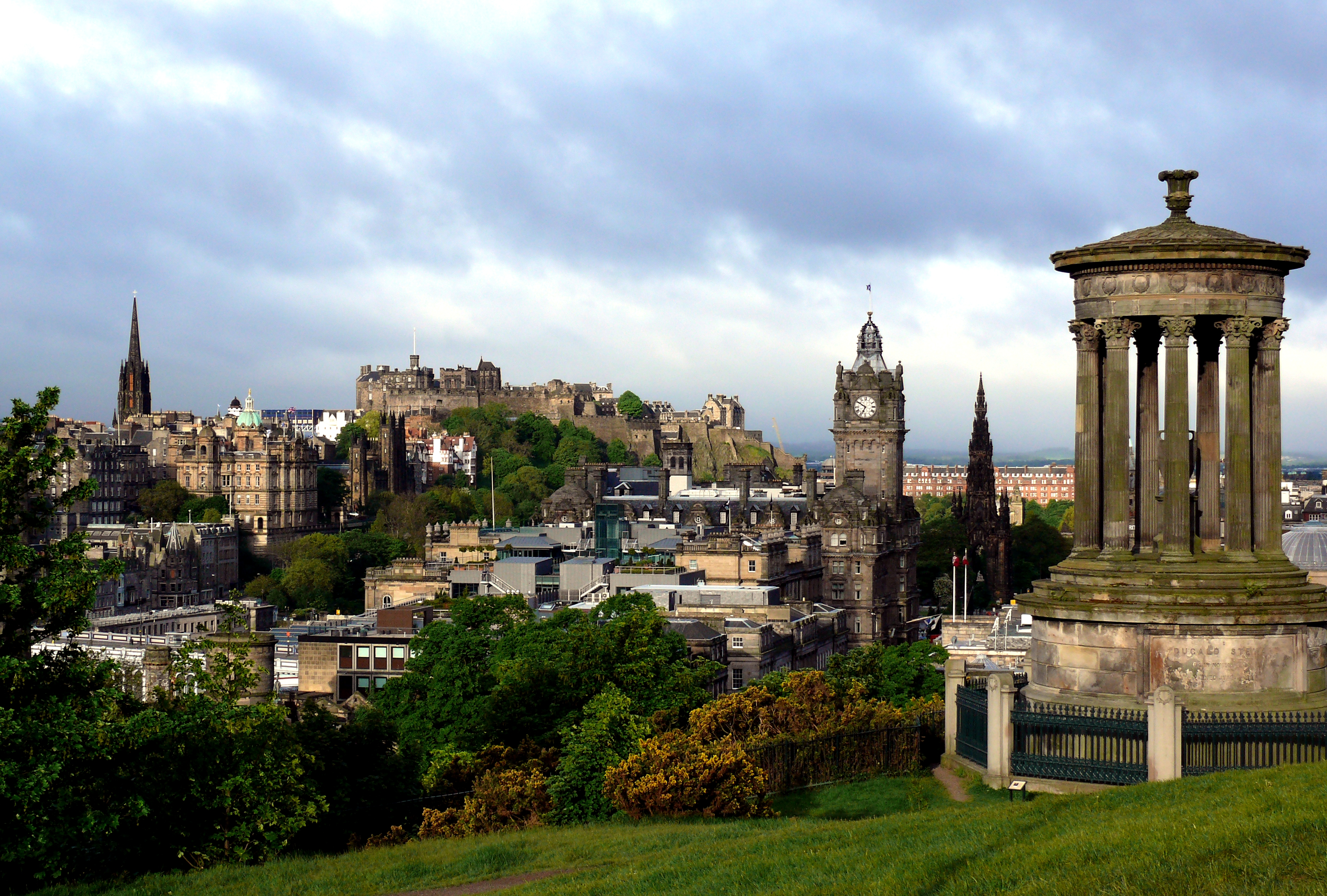 Description edinburgh from calton hill with dugald stewart monument 3