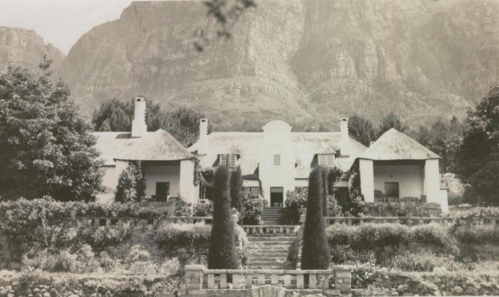 Fernwood Manor   Newlands   Cape Town Parliamentary Sports Club - Wedding Origin