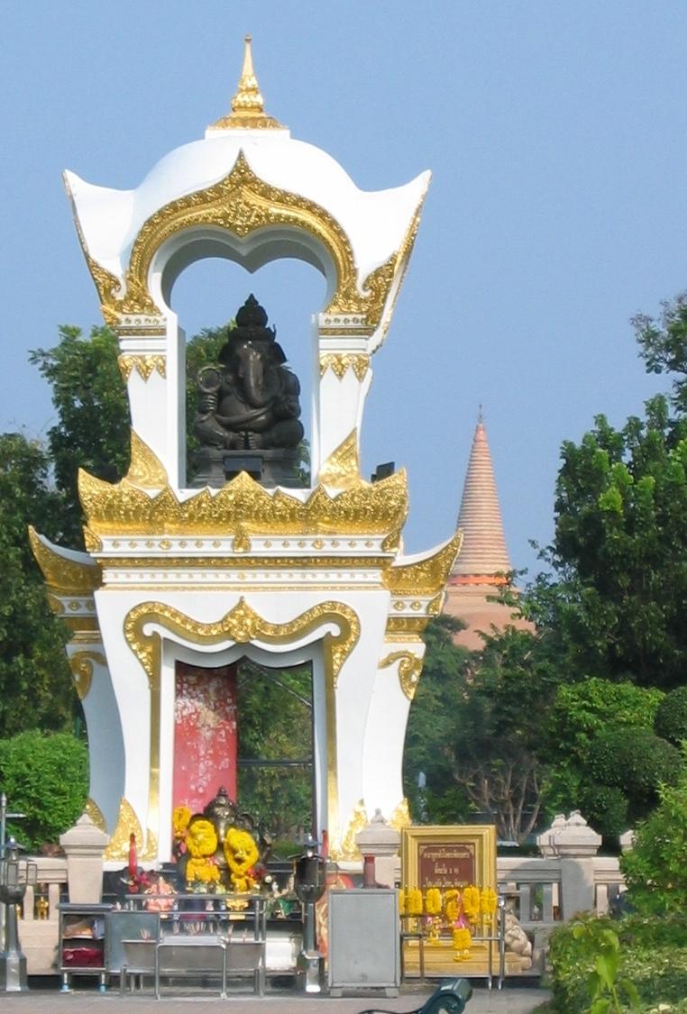 File:Ganesh memorial, Sanam Chan palace, Thailand.jpg ...