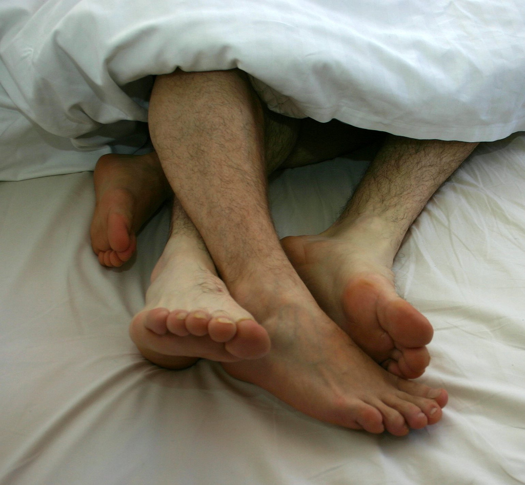 Gay couple cuddling tumblr for Hot bed love images